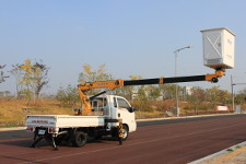 prace budowlane na wysokości na autostradzie